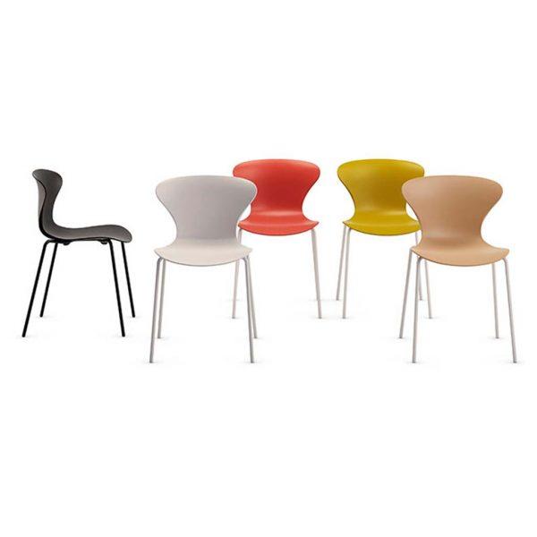 vista general de gama de color silla Surf cuatro patas pintada sin brazos