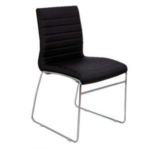 vista frontal de silla Carlota blanca con base patín. Detalle costuras de asiento y respaldo