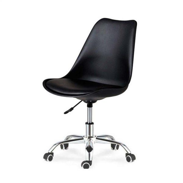 silla monocarcasa negra con base giratoria con ruedas cromada