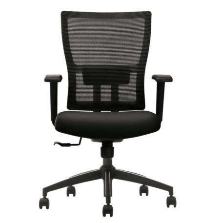 vista frontal de silla miño respaldo en mehs negra y asiento tapizado negro con brazos