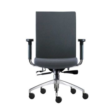 vista frontal de silla star con brazos tela gris