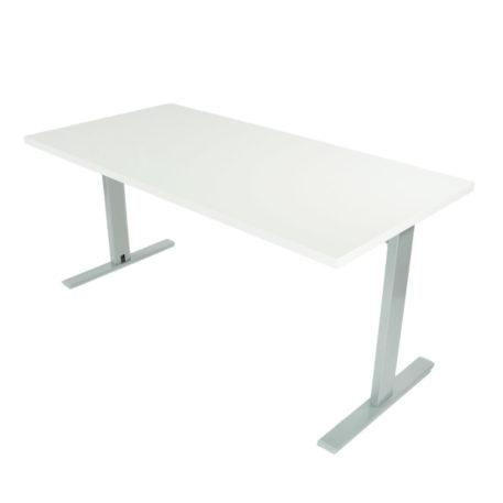 Mesa de oficina con estructura gris plata y tapa blanca