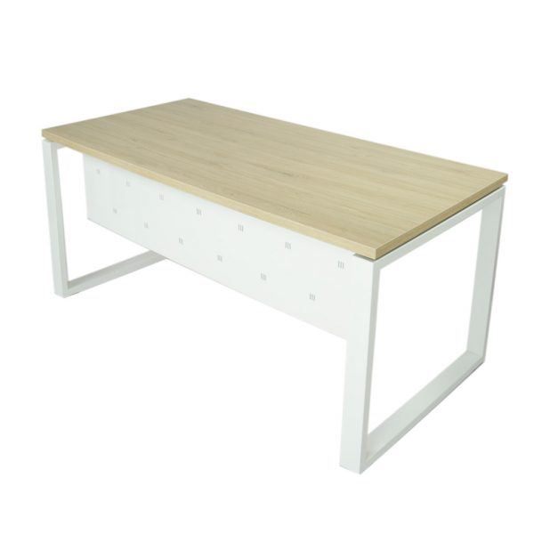 Vista mesa completa con faldón metálico level Cerrada estructura y faldón blanco y tapa roble midas.