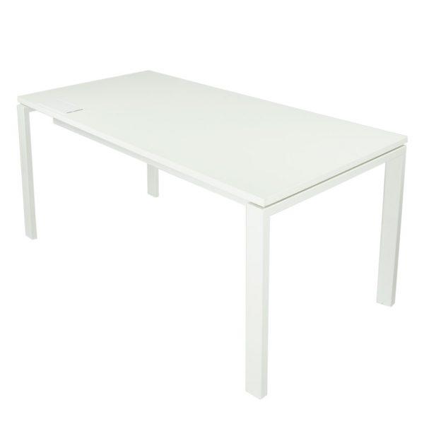 etalle top access cerrado, en tapa de mesa Level abierta estructura y tapa blanca.