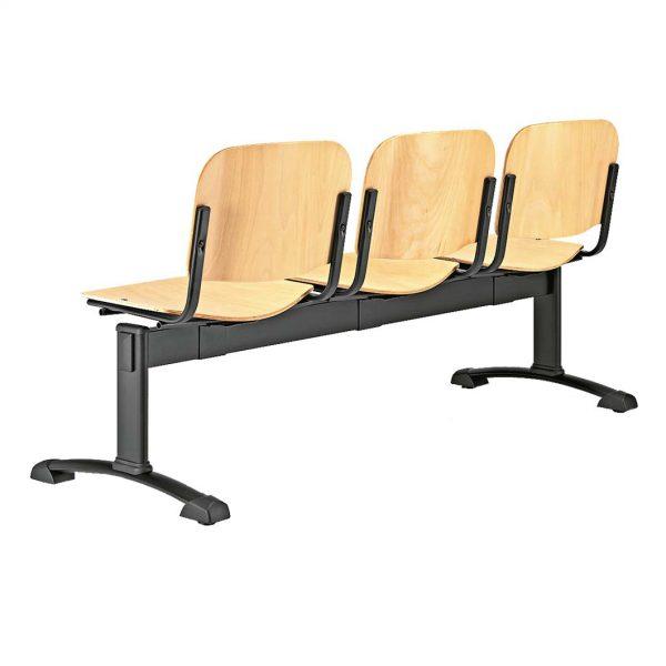 Vista posterior bancada de tres plazas Futsi asientos madera contrachapada haya color natural estructura negra