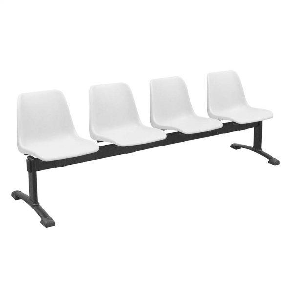 Vista bancada Polo cuatro asientos color blanco, sobre estructura metálica negra