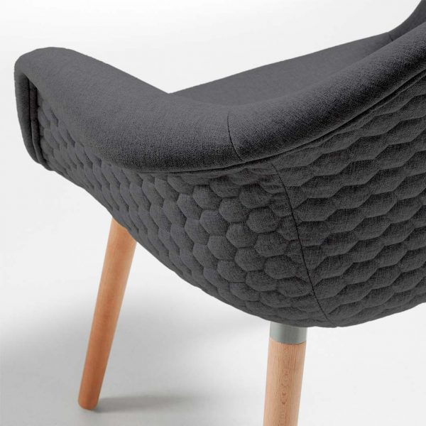 Detalle tapizado y carcasa sillon Kenia.