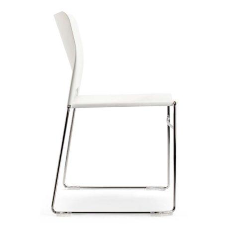 silla polipropileno blanca patín cromado sin brazos